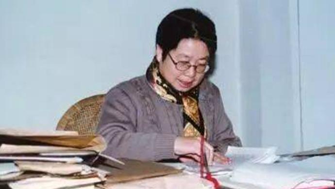很久以前,她曾经面访作家铁凝——河北人民出版社资深总编牛素琴