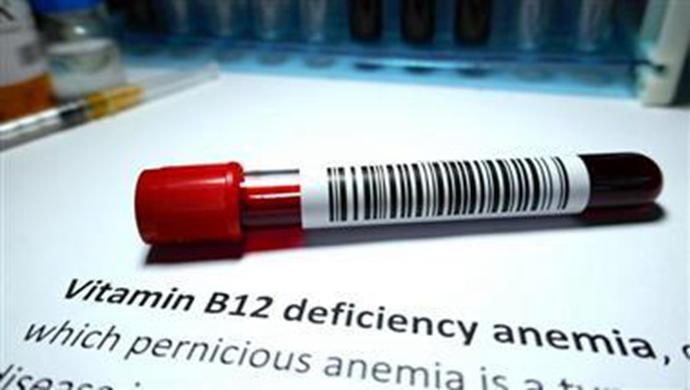 缺乏维生素B12会引起什么?