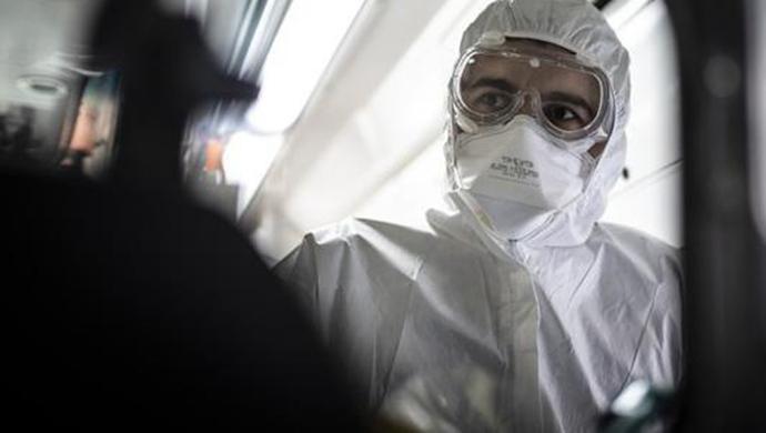 哈佛麻省联合出手,研发了一种遇新冠病毒会发亮的口罩